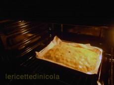 cucina,ricetta,ricette.ricette siciliane,ricetta scacciata,salsiccia,bietole,ricette della tradizione siciliana,