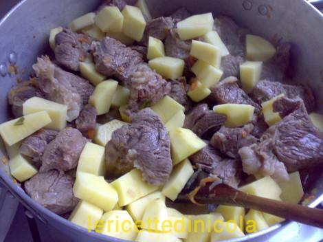 carne-grassato-piselli-6.jpg