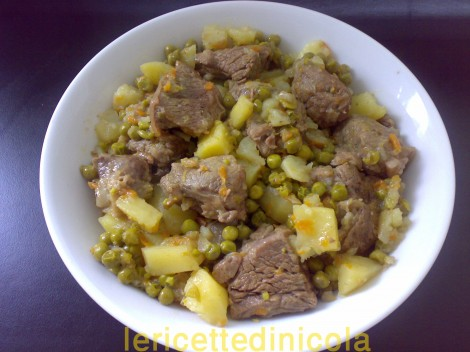 carne-grassato-piselli-93.jpg