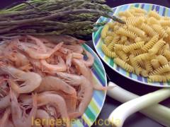 fusilli-gamberetti-asparagi.jpg