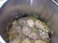 spezzatino-carne-piselli-2.jpg