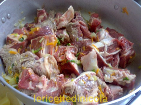 carne-grassato-piselli-4.jpg