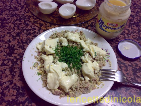barchette-uova-al-tonno-4.jpg