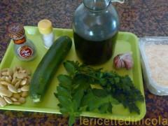 cucina,ricetta,ricette,ricetta pesto,pesto di zucchine,condimenti per pasta,condimenti vari,ricetta con foto,ricetta zucchine,