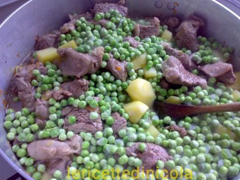 carne-grassato-piselli-8.jpg